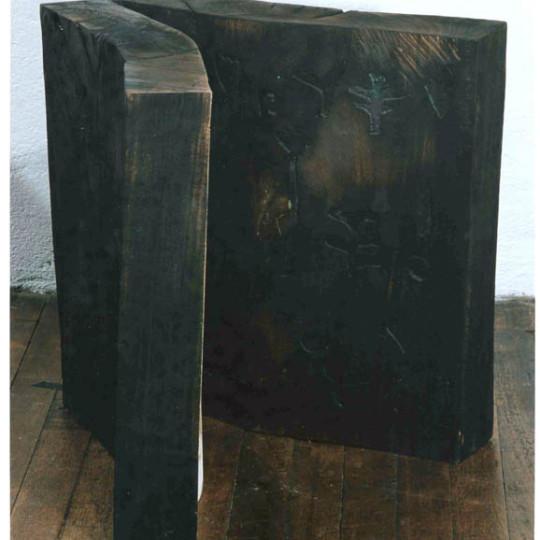 Madera y caseina 49x40x47 cm
